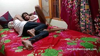 Лысый мускулистый парень реализовал сестре жёнушки куни и трахнул её в аккуратную манду