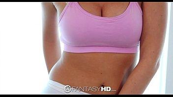 Сисястая мама anastasia lux в фиолетовом одежду дрочит небритую мохнатку
